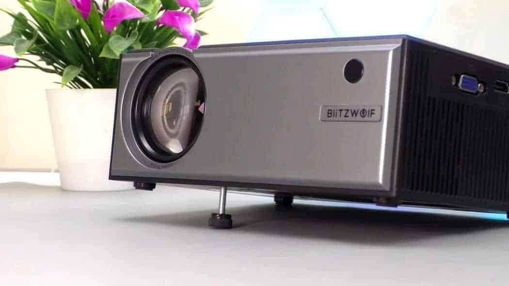 (Mini-Review) BlitzWolf BW-VP1: A brutal € 74 projector!