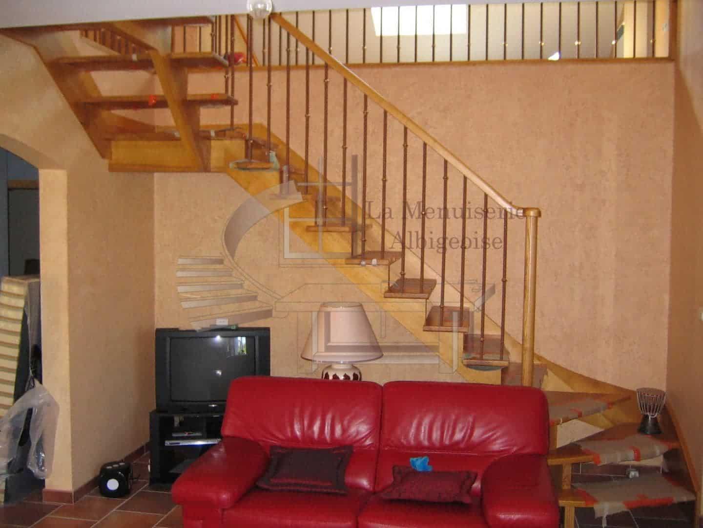 Escalier à quart-tournant en bois