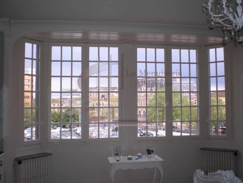 Fenêtre vitrée de caractère
