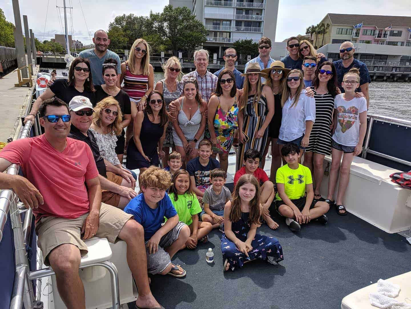 Large group picture. Best boat tours in Charleston, SC