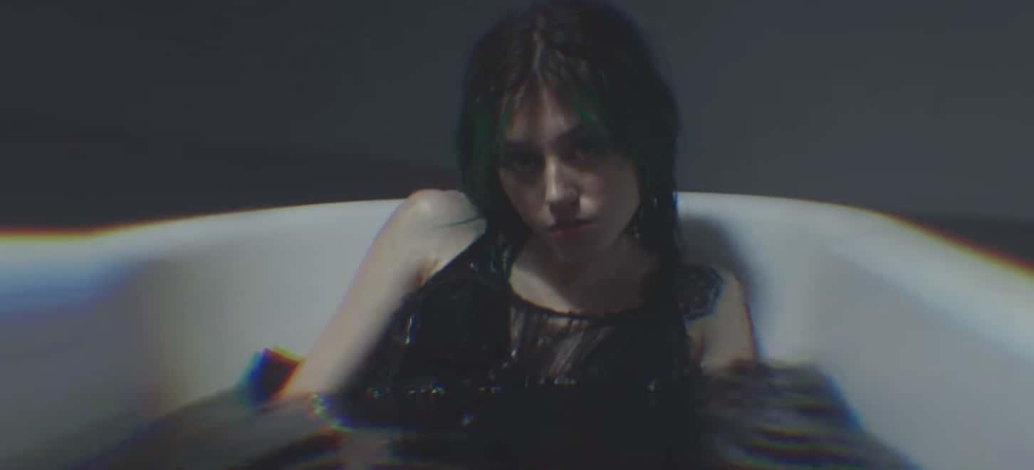 "Kailee Morgue's ""Medusa"" bathtub scene"