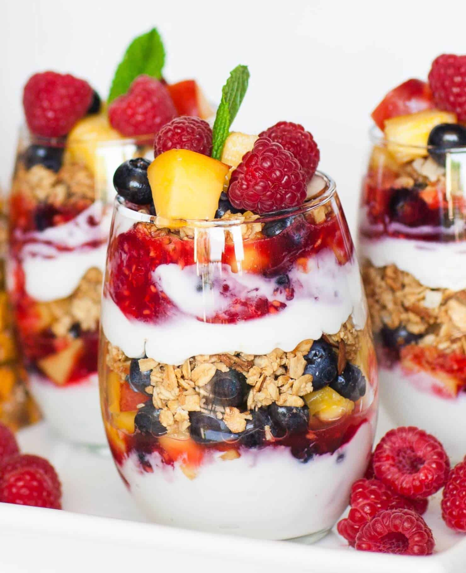 fruit and granola yogurt parfait
