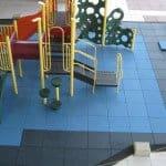 Качественная резиновая плитка для площадки