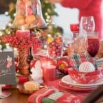 How to Decorate a Dining Room Table for Christmas