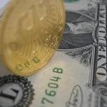 Euro-GoldmünzeDollarSchein