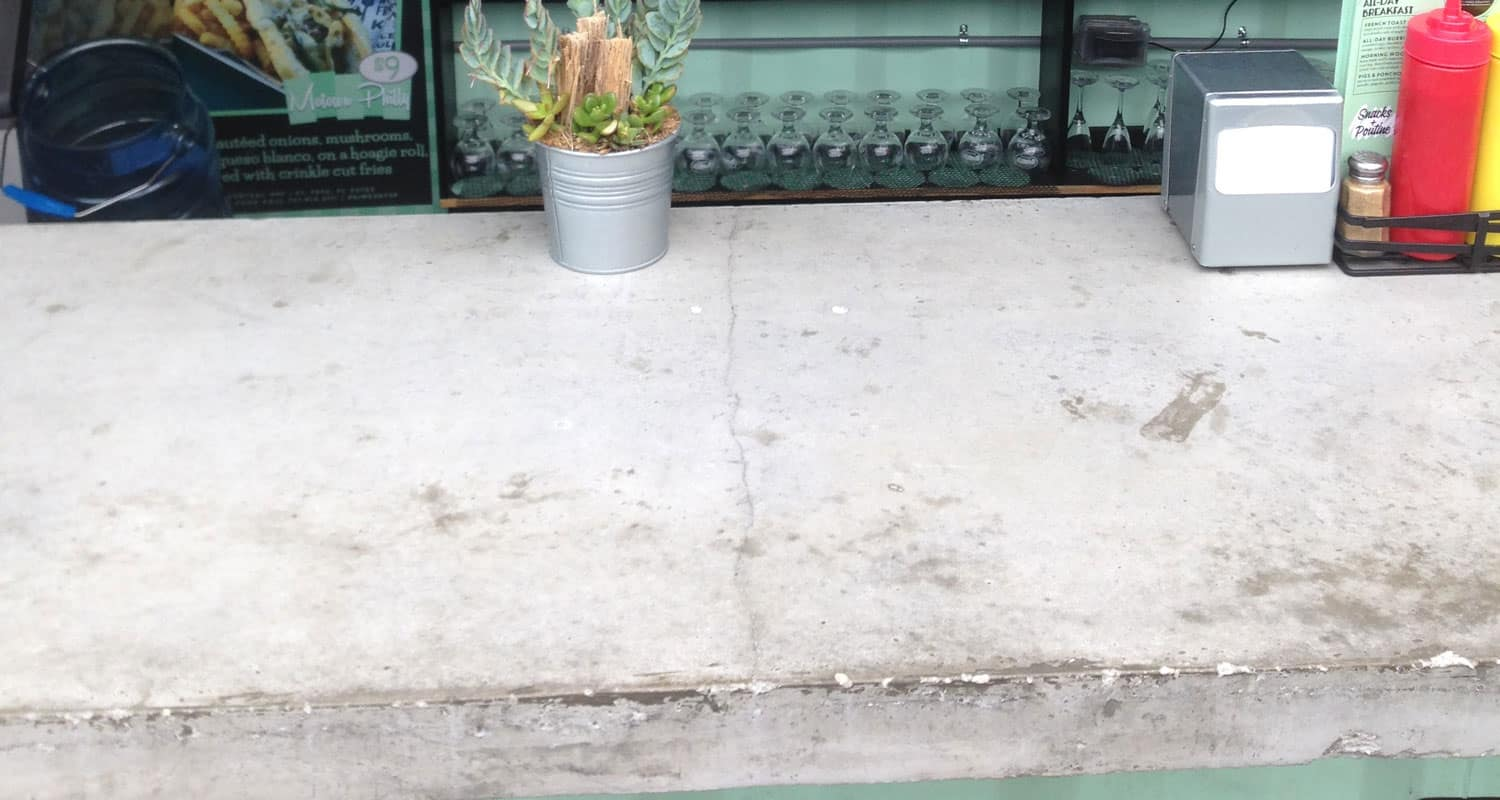 Large Crack in a poorly made concrete countertop