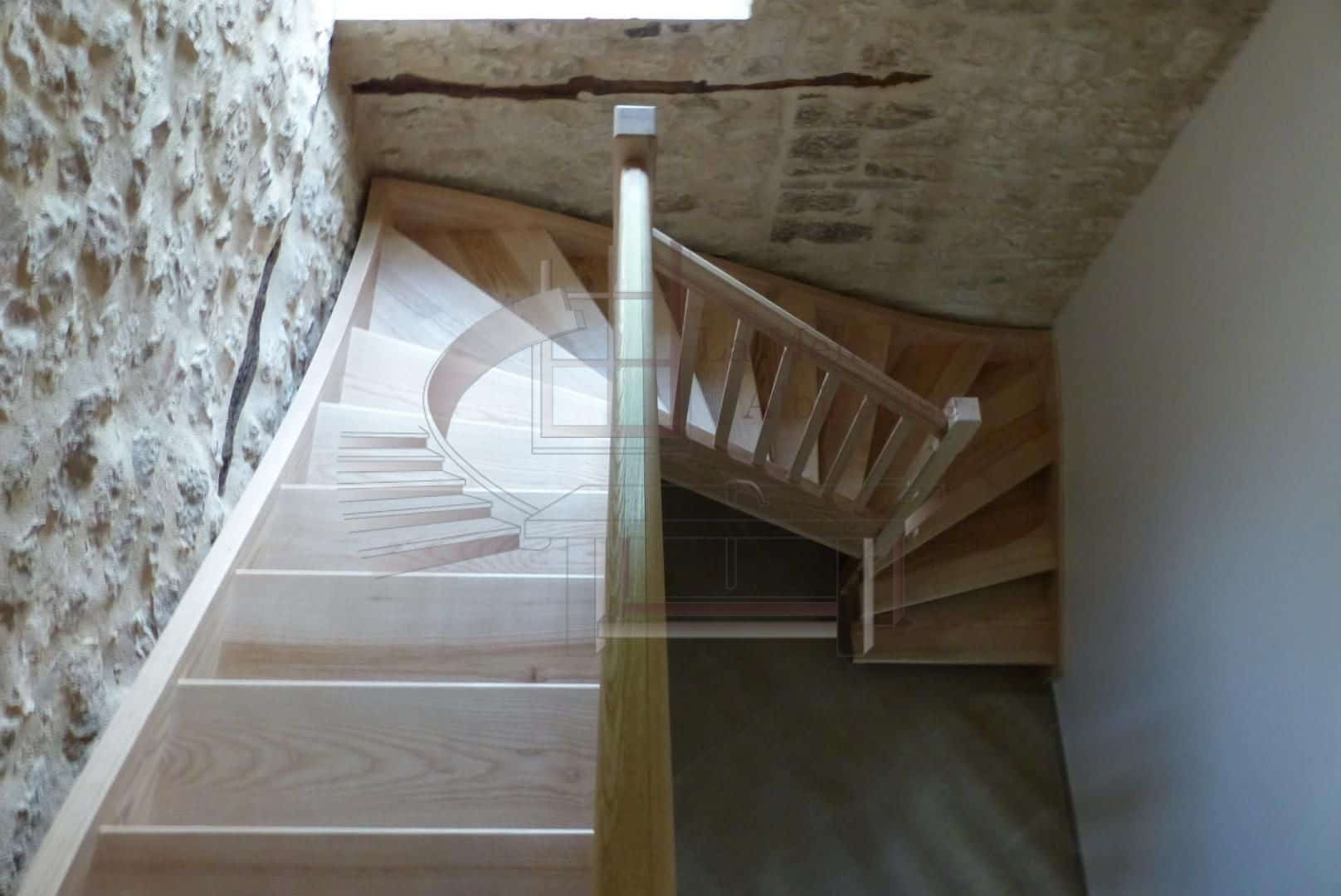 Escalier sur-mesure de La Menuiserie Albigeoise
