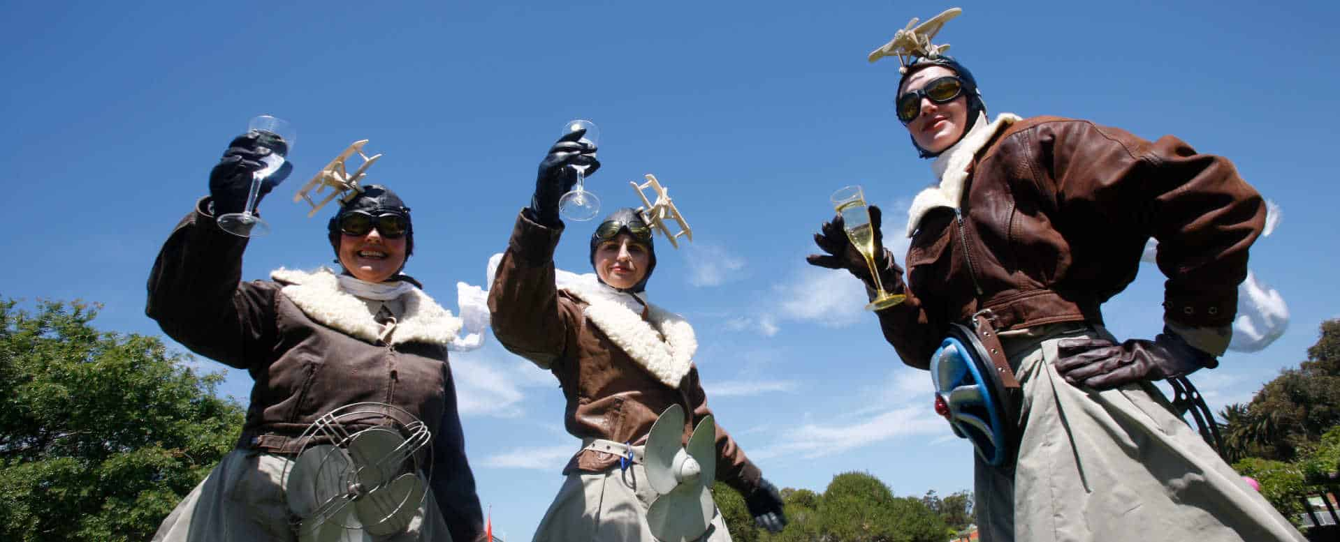 The Aviator Women stiltwalking at Viva la Gong - photo Bernie Fischer