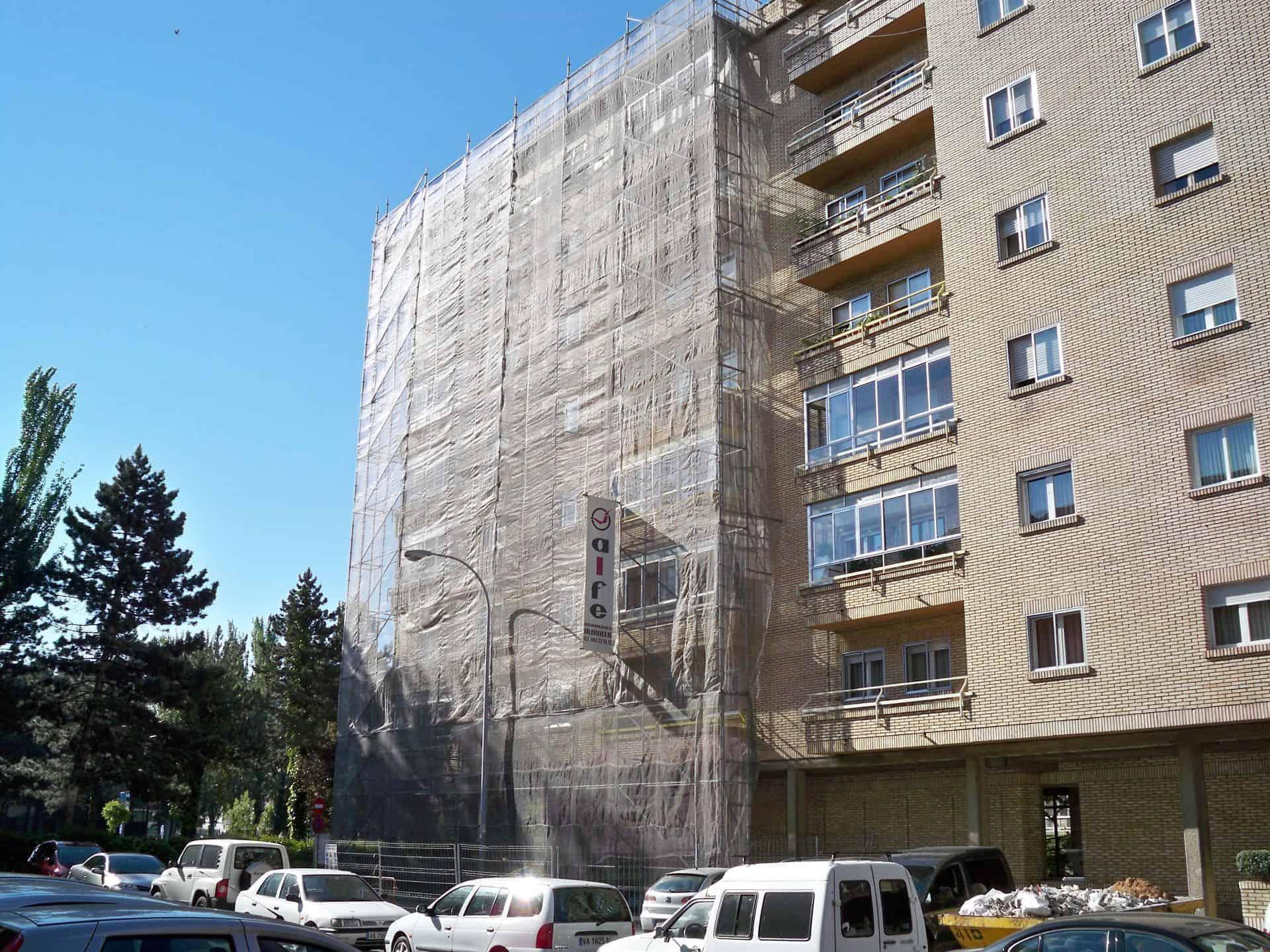andamio-rehabilitacion-fachada-viviendas-