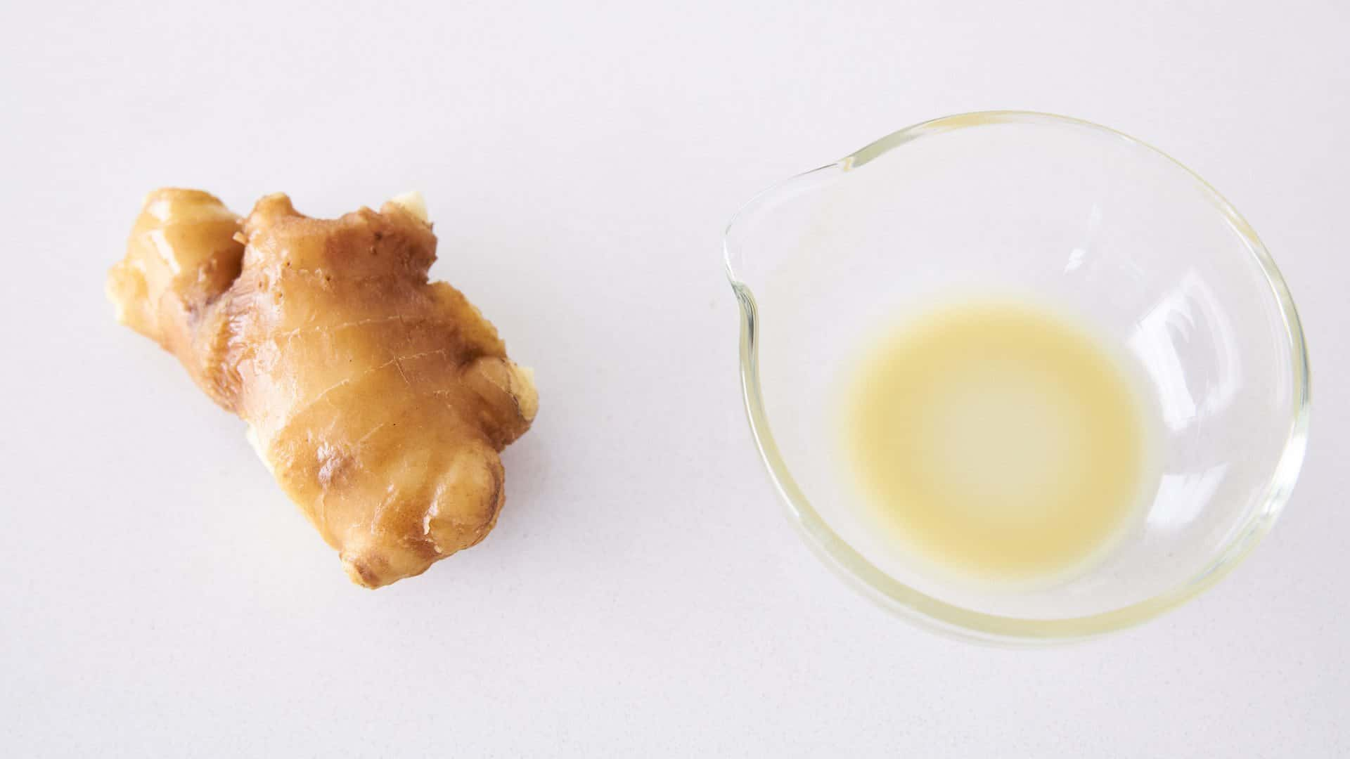 You can grate fresh ginger and pass it through a strainer to make ginger juice.