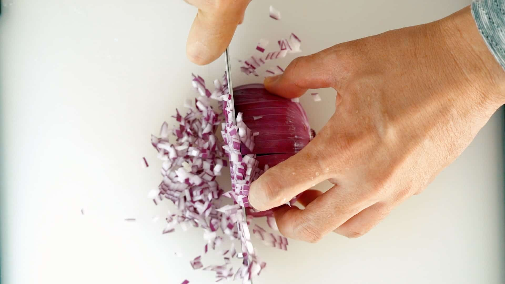 When the slits are cut from the sides the onion is easier to dice.