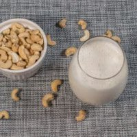 Homemade cashew milk recipe