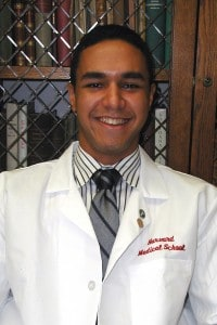 Click here to read more med school student interviews!