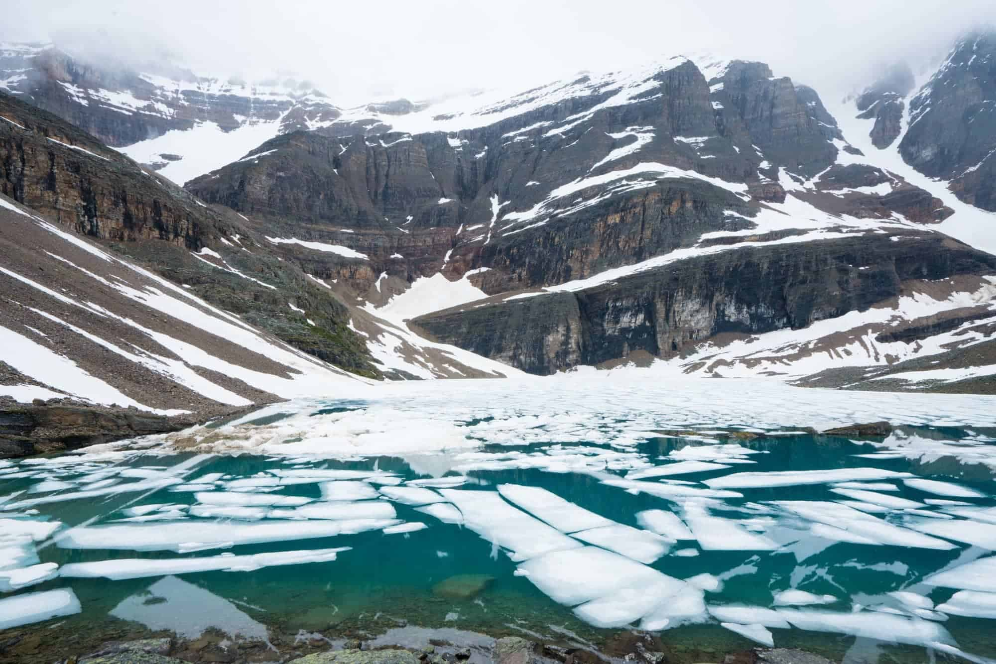 Lake Oesa // Four days at Lake O'Hara was the highlight of my Canadian Rockies trip. Get my detailed hiking & camping guide to this British Columbia National Park.