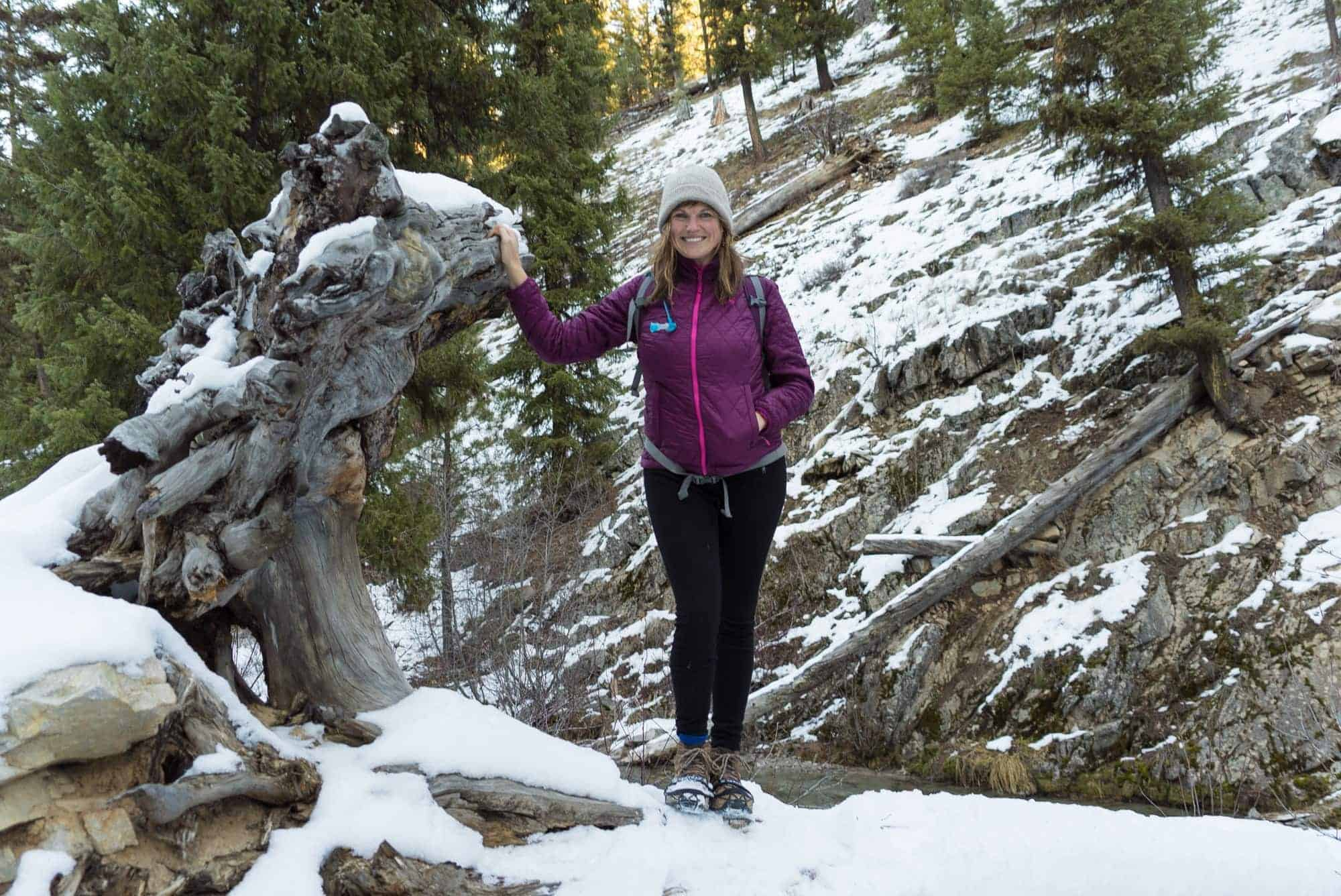 Interested in winter hiking? Learn what clothes to wear for cold weather hiking and how to layer appropriately for snow and chilly temps.