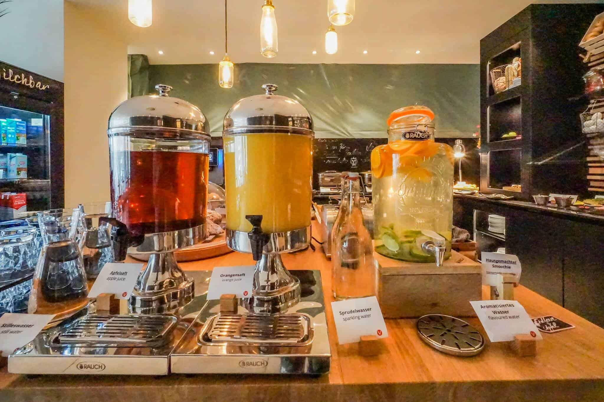 Vienna House Easy Breakfast Room 2
