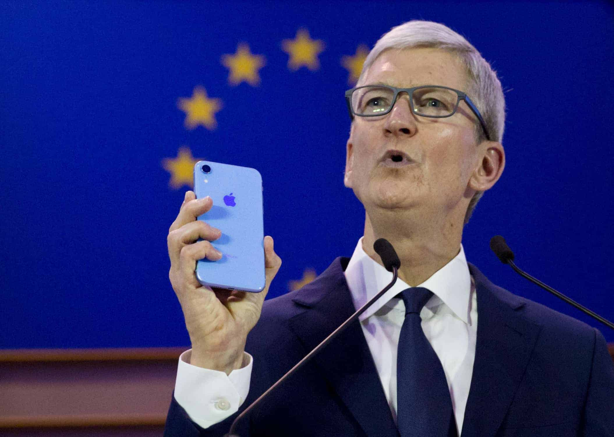 Apple CEO Tim Cook in Brussels, at the International Conference of Data Protection and Privacy Commissioners.