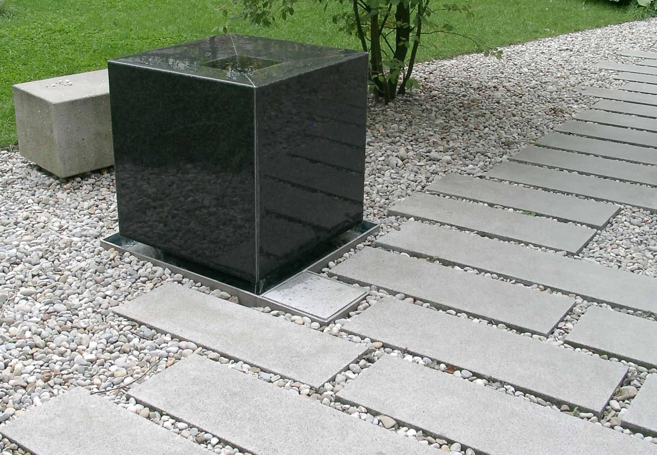 Bild Spiegelbrunnen als Detail im Innenhof, Foto: ver.de landschaftsarchitektur