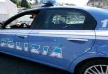 Nomade guida auto della polizia