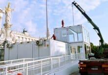 CHV-Modulare-Raumsysteme-Containeranlage-Parlament-Glaskubus-montage2