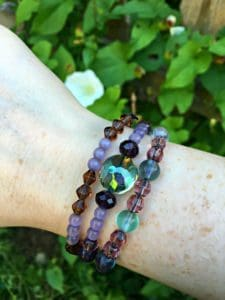 diy stretchy beaded bracelet on wrist