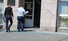 Արտակարգ դեպք Եղվարդի դատարանում. ամբաստանյալը որովայնի շրջանում ինքնավնասում է արել
