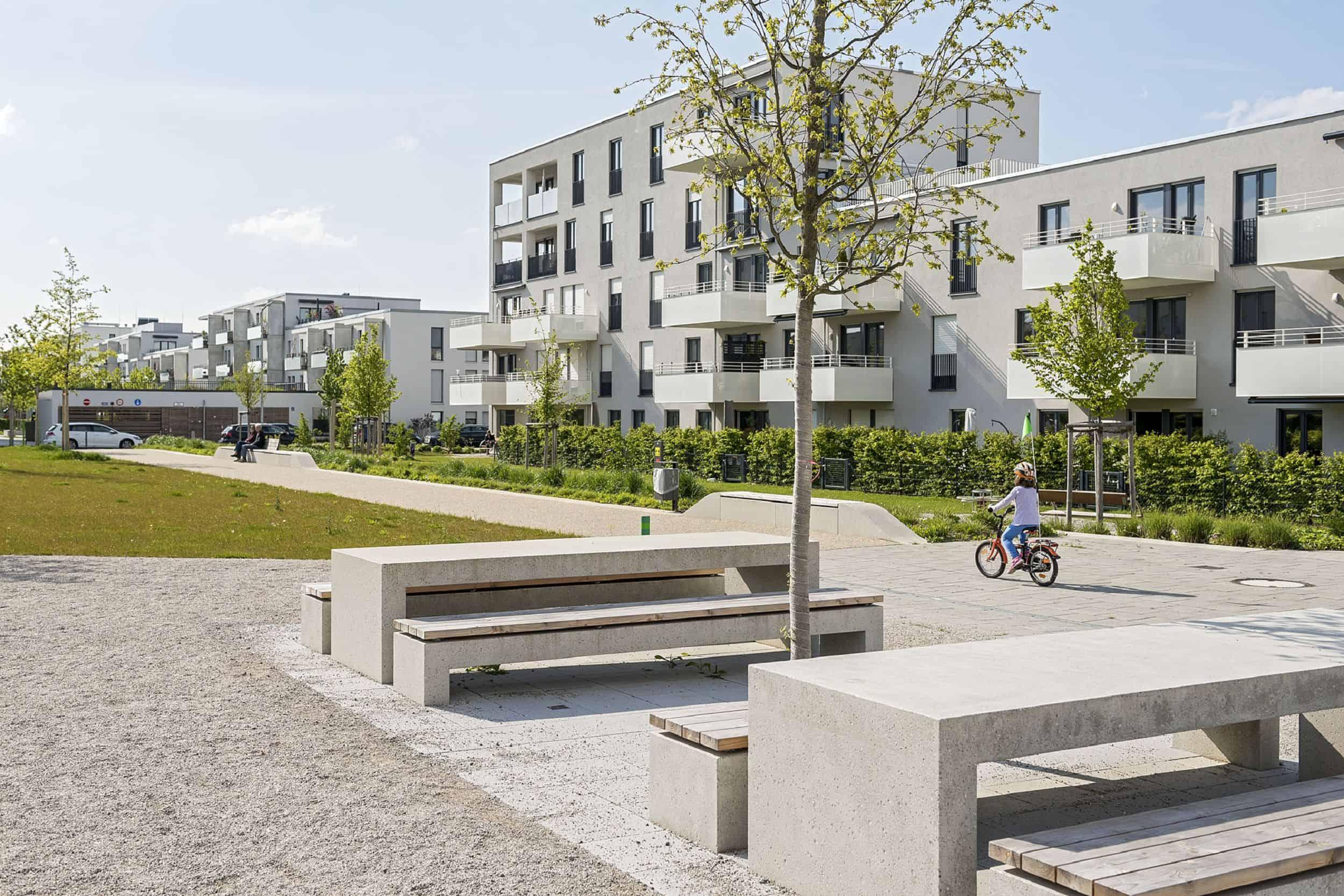 Bild: Treffpunkt im Quartierspark, Foto: Johann Hinrichs Photography