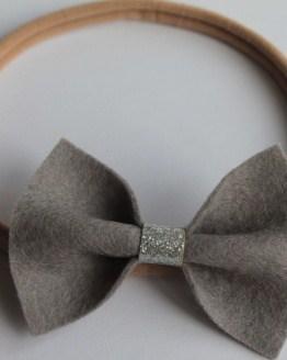 Haarbandje grijze sparkle vlinderstrik
