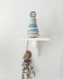 Little Dutch geboortepiramide blauw Op zoek naar een leuk kraamcadeau, met geboortegegevens? Wij hebben verschillende leuke kraamcadeaus!