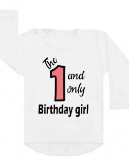 Verjaardagsshirt eerste verjaardag. Ook als strijkapplicatie beschikbaar. De leukste strijkapplicaties en shirts voor verjaardagen! Maak een gaaf verjaardagsshirt met een afbeelding of een tekst met onze strijkapplicaties. Natuurlijk kan je de strijkapplicaties ook op een tas of op hout drukken.