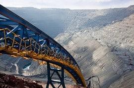 Förderband einer Goldmine im Tagebau: Stehen die Förderbänder Bänder bald still?