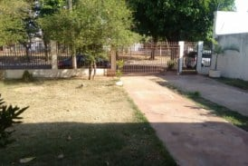 Vendo Casa de 500 mil com 3 dormitórios sendo uma suíte no jardim São Lourenço