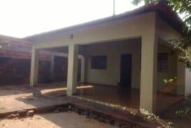 vendo casa de 180 mil com 4 dormitórios em Aquidauana