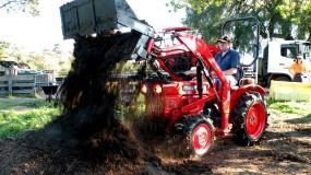 About SOTA Tractors - Kubota L2201DT 25hp in action.