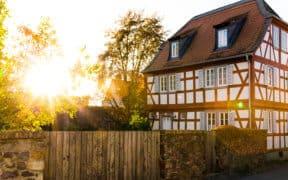 Das Fachwerkhaus ist eine alte Bauart mit historischem Charme