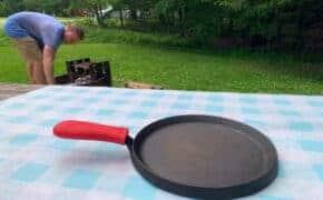 loge cast iron skillet handle holder