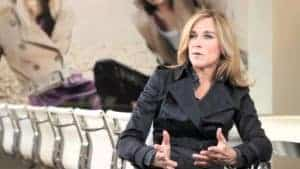 American-born Angela Ahrendts took Britain's Burberry by storm. But now she's coming to Apple. Will she help to turn the tech behemoth into an orchard of new Apple products and service experiences? You can tell one thing for sure, just by looking at her. Ahrendts is an authority on pleasing people.