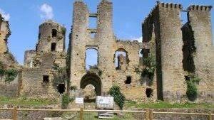 chateau de lagarde