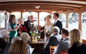 Trouwlocatie Amsterdam trouwen aan boord huwelijk