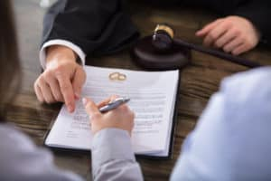 Choosing the Right Colorado Springs Divorce Lawye