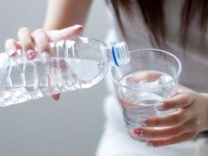 ペットボトルネジ式