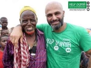 Help Dunya Hilfsprojekt Morteza mit Einheimischen