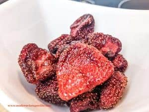 Candied strawberries at home