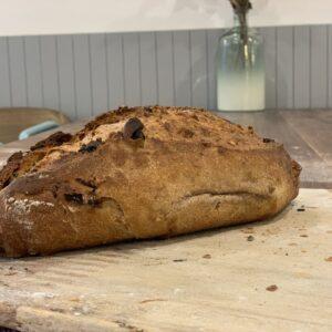 Pasas y Nueces Miga Bakery