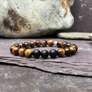 Tigers eye and onyx bead bracelet