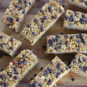 No Bake Chewy Chocolate Chip Peanut Butter Granola Bars