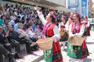 Desfilada de Festival de la Rosa de Bulgària