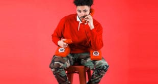 Interview With Viral Sensation: Musician Johnny 2 Phones