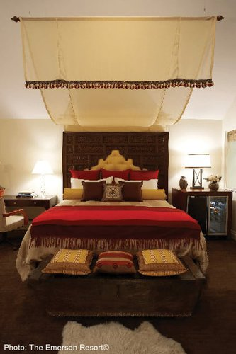 A romantic and comfortable room for two at the emerson resort.