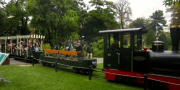 Paris Parks: the train at the jardin acclimitation